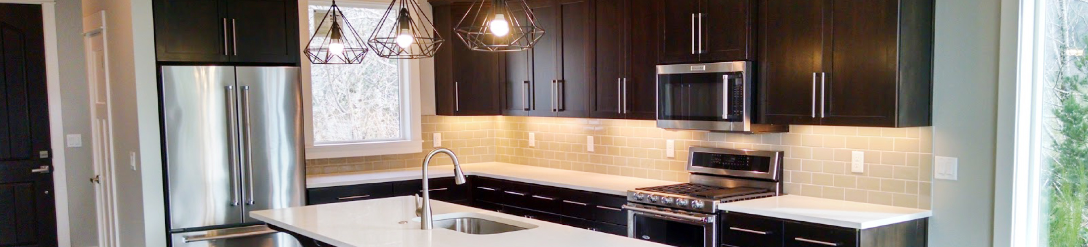 Amcraft Custom Cabinetry & Countertops • McMinnville, Oregon